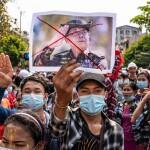 দেশ ছাড়তে শুরু করেছে মিয়ানমার নাগরিকরা